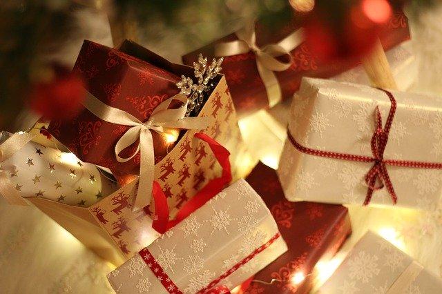 cadeaux de Noël illuminés