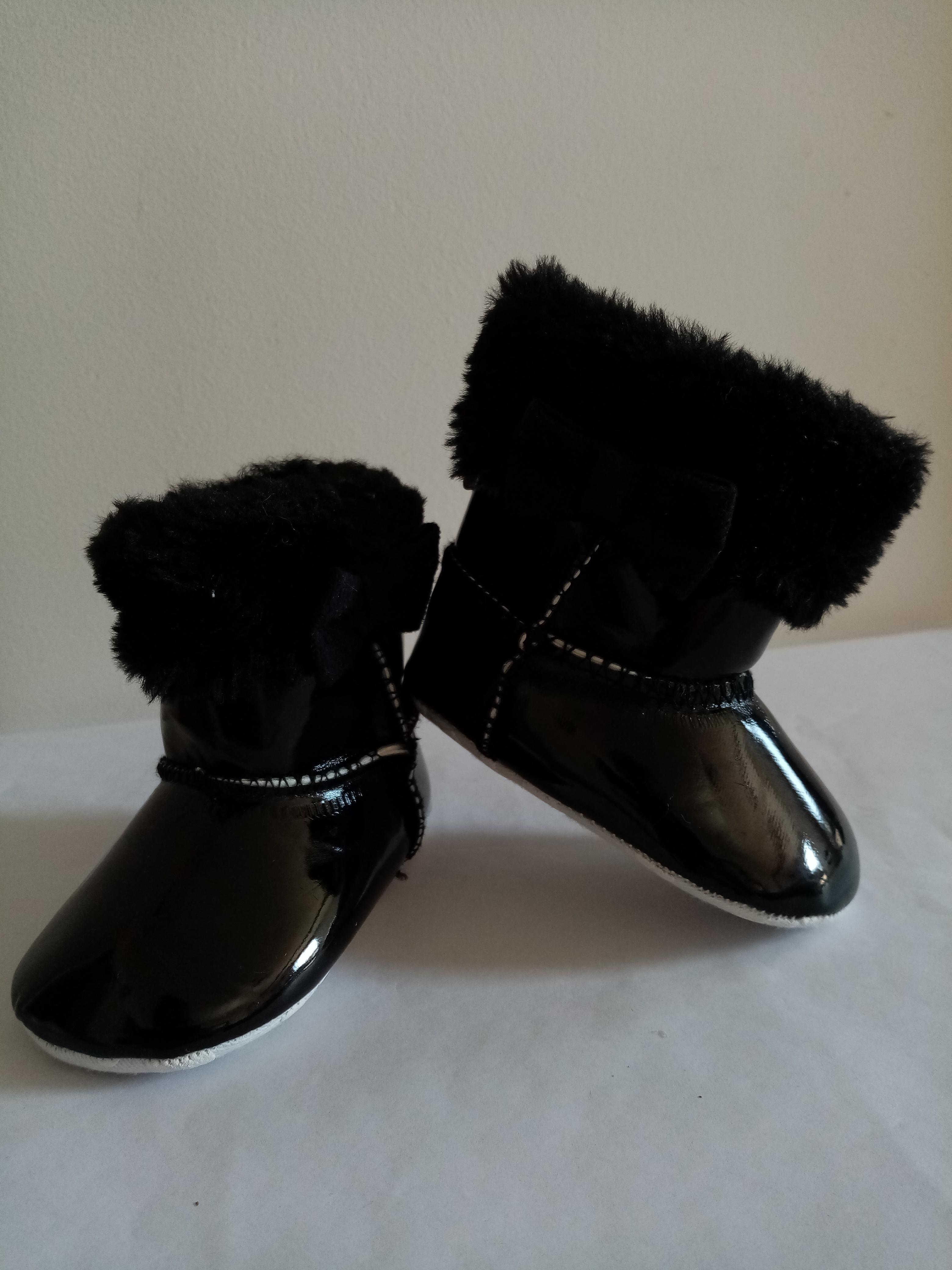 Bottes Noires brillanttes (naissance)