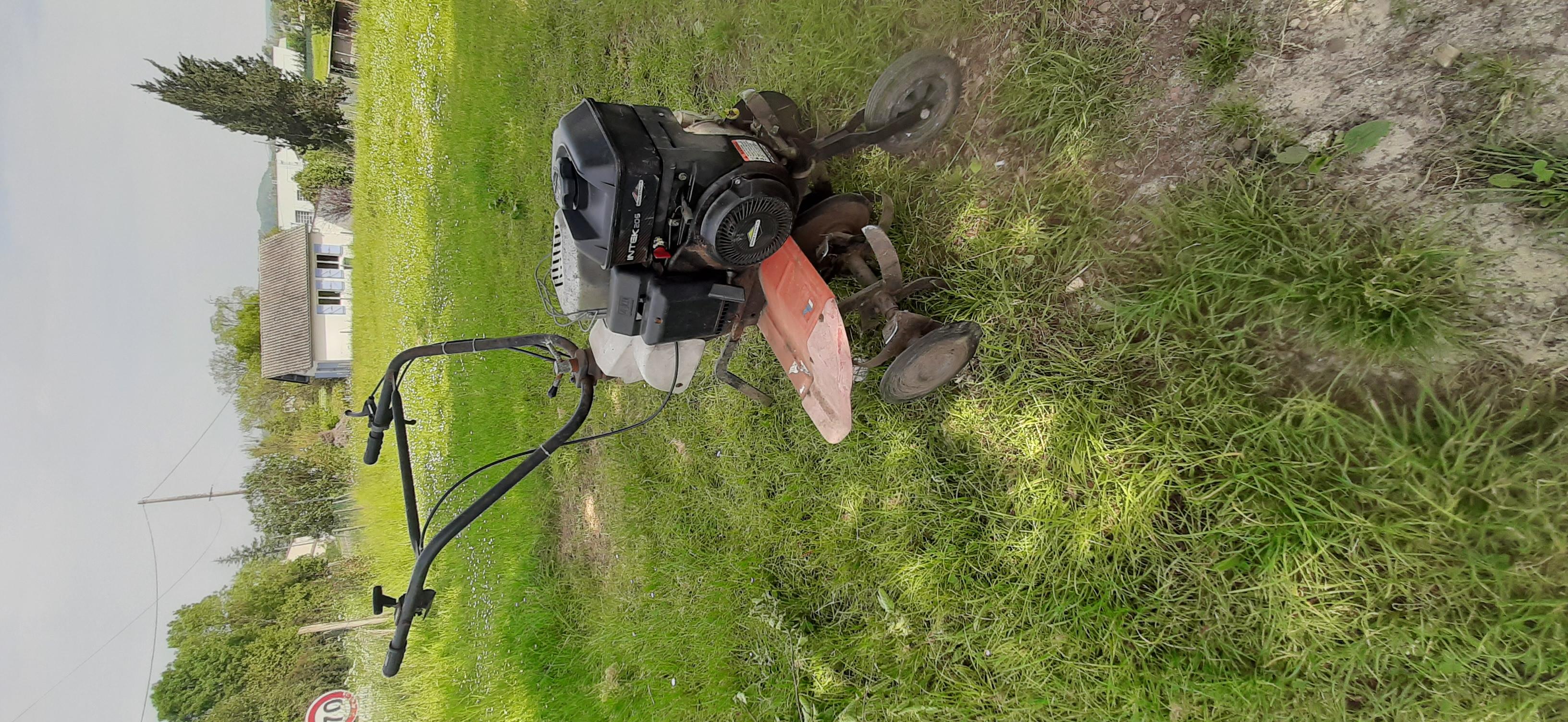 Motoculteur briggs et stratton.