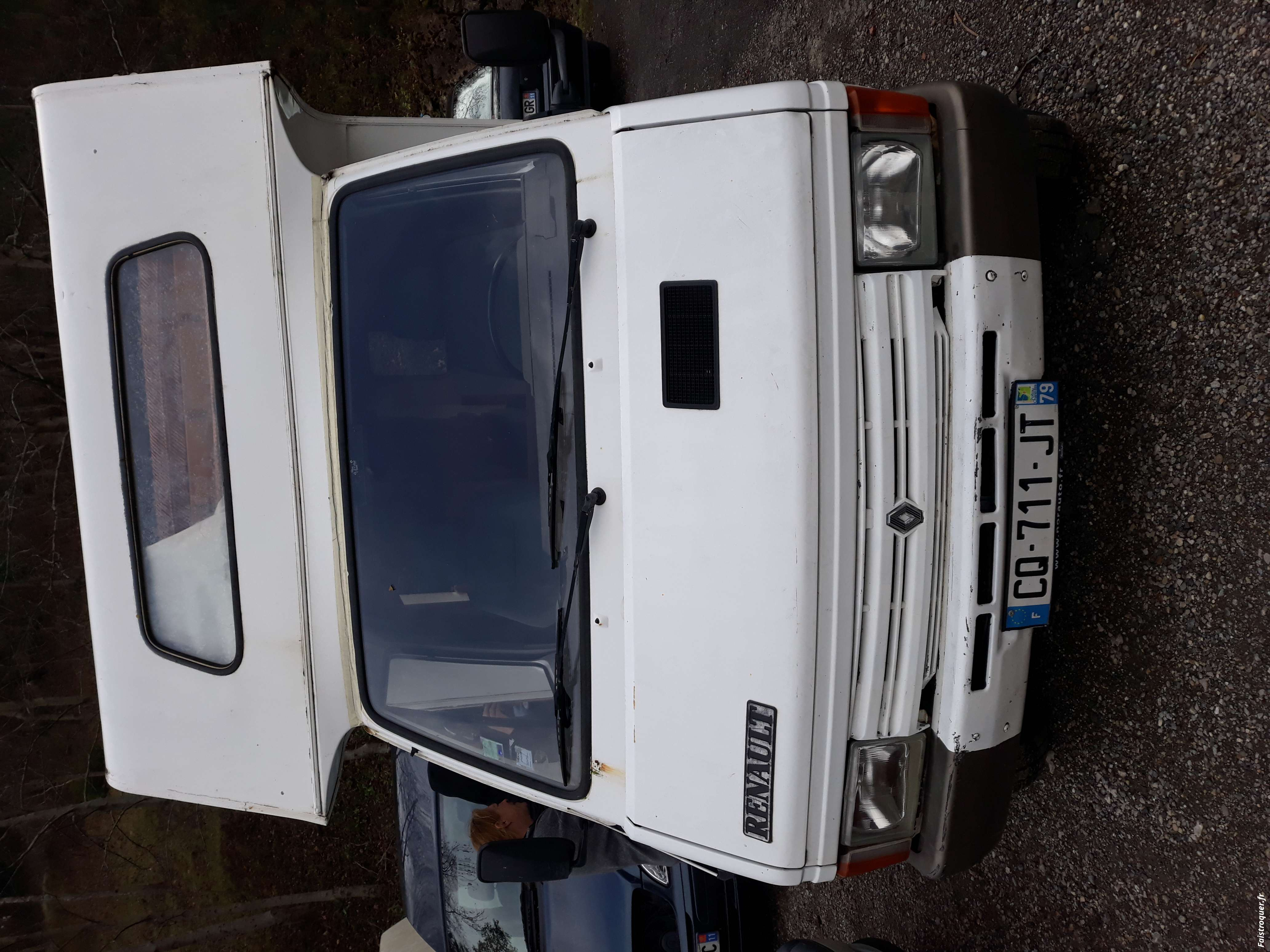 camping-car renault trafic cellule