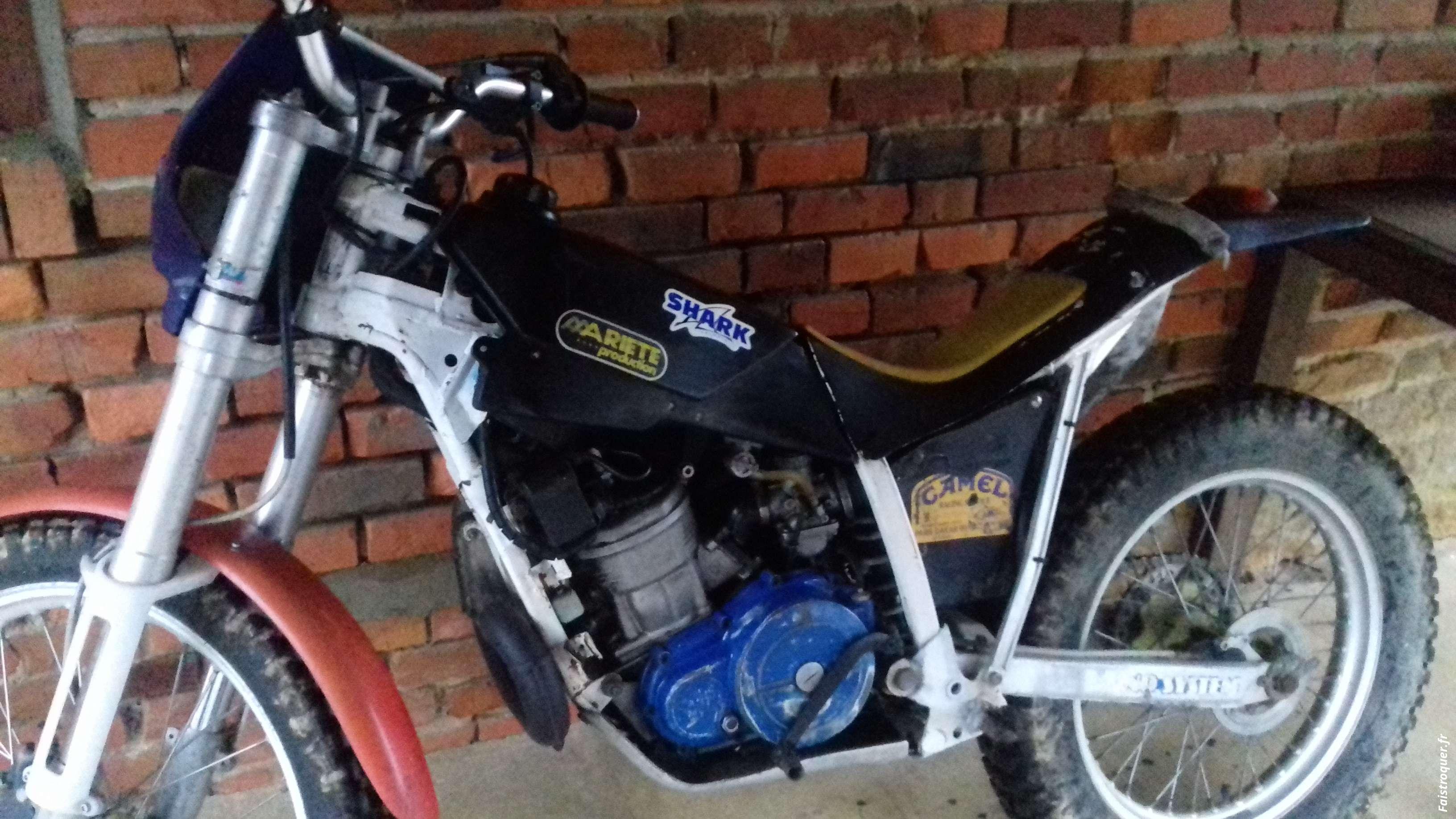 vend ou echange moto 250 trial  k* roo fantic moto