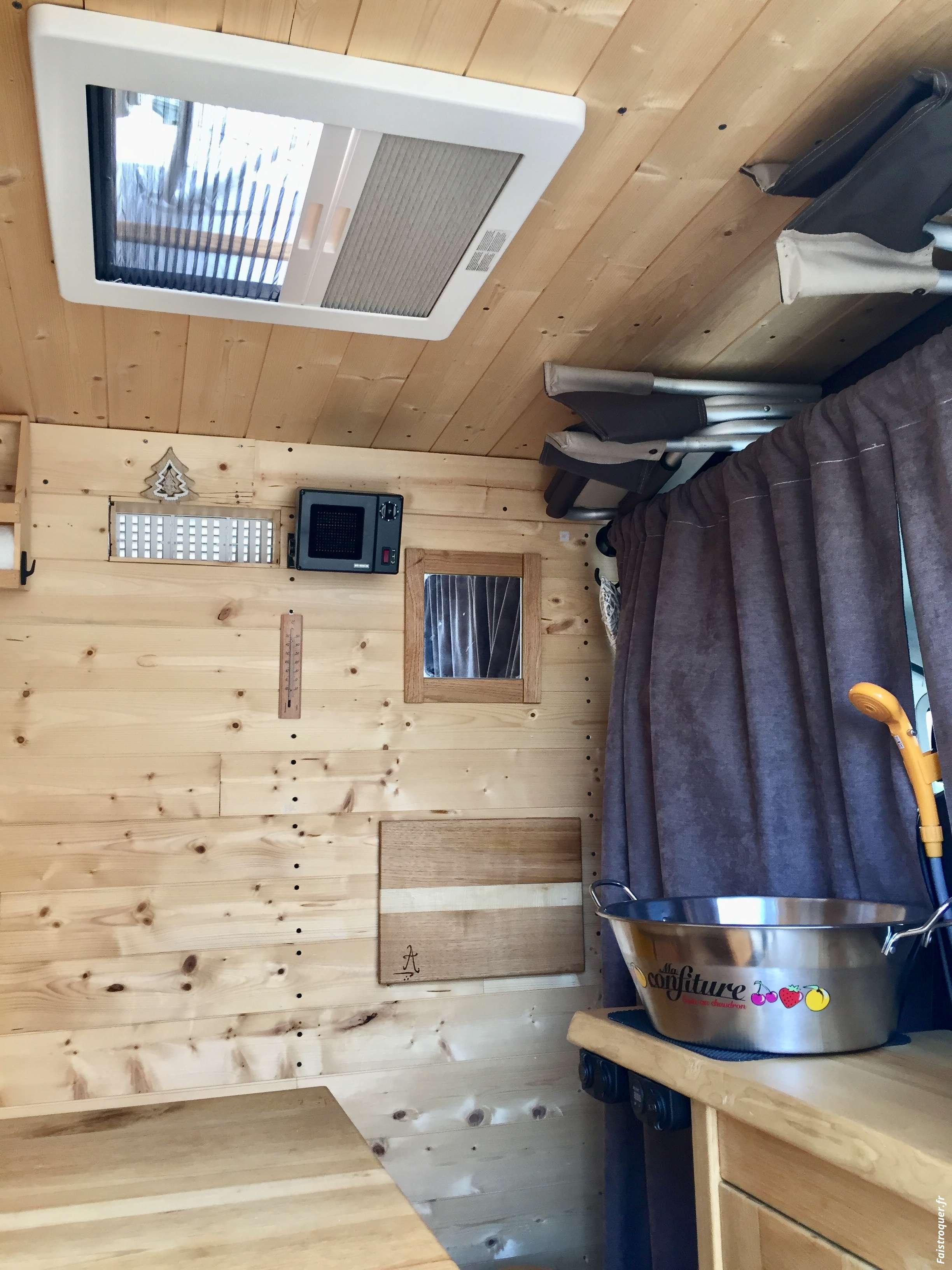 échange fourgon aménagé bois contre camping car