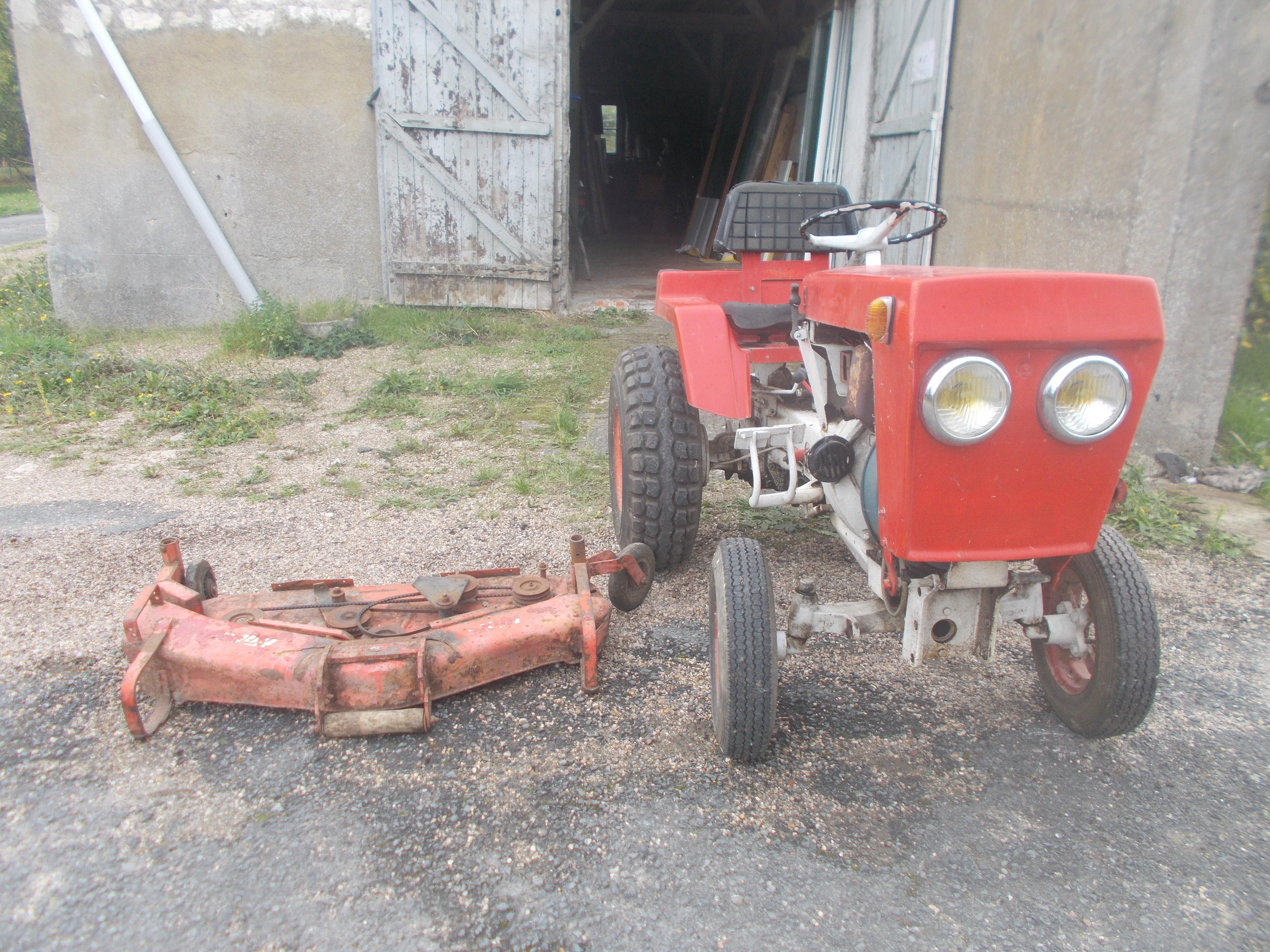 Tracteur diesel 23 cv dans l'état faire prix